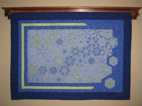 Quilt hanger #1 w/ quilt