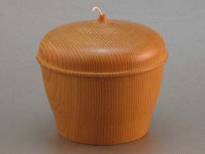 lidded string holder